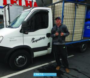 Elton Magro e motorista da Transportadora LV Acqua