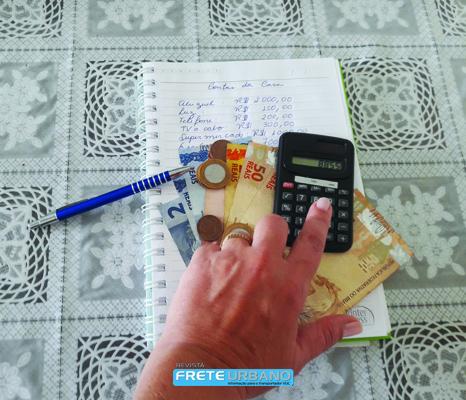 Como reduzir as despesas do mês, o que cortar?
