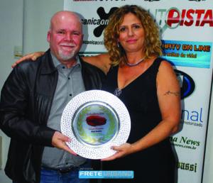 Carlos Eugenio (Fiat) e Carol Vilanova - Premio Os Escolhidos