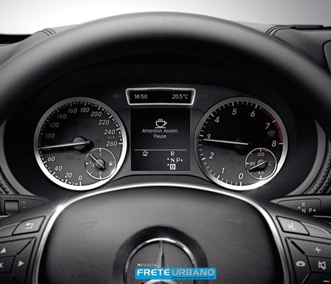 Sistema Attention Assit da Mercedes-Benz completa dez anos