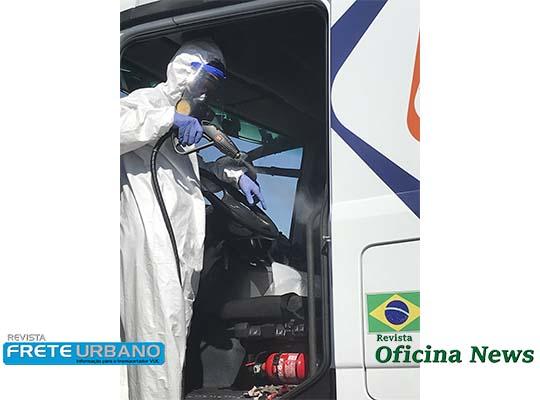 Caminhoneiros recebem desinfecção das cabinas, kits de higiene e alimentação