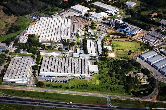 Eaton abre 100 vagas de estágio em sete unidades no Brasil